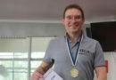 Edgars Ozoliņš labo Eiropas rekordu 100m br./st.